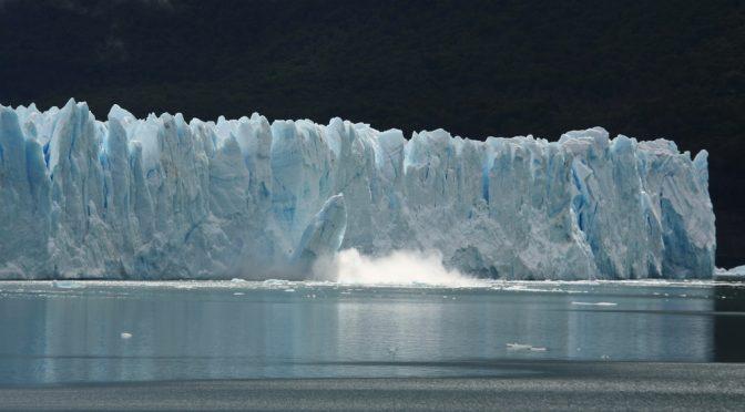 Der Perito Moreno kalbt (2/10)