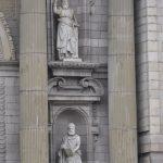 Statuen an der Kathedrale