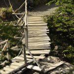 Eine von vielen Holzbrücken
