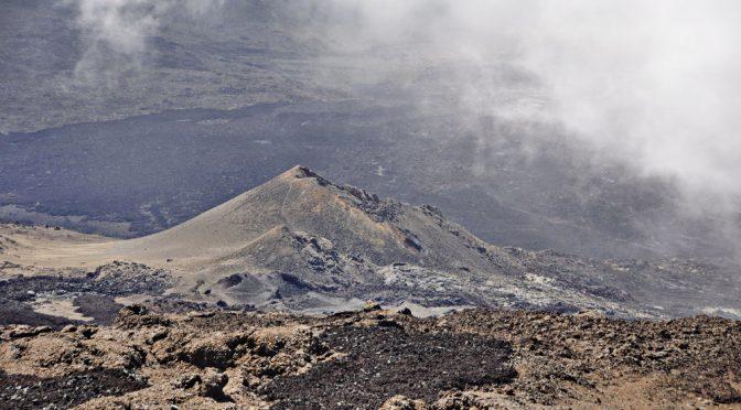 Kraterlandschaft am Piton de la Fournaise