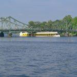 Glienicker Brücke mit MS Sanssouci