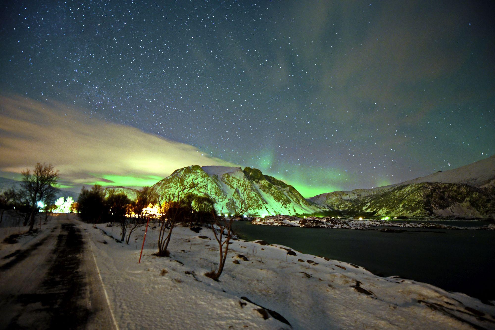 Nordlicht über den Lofoten