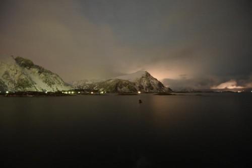 Des Nachts am Fjord