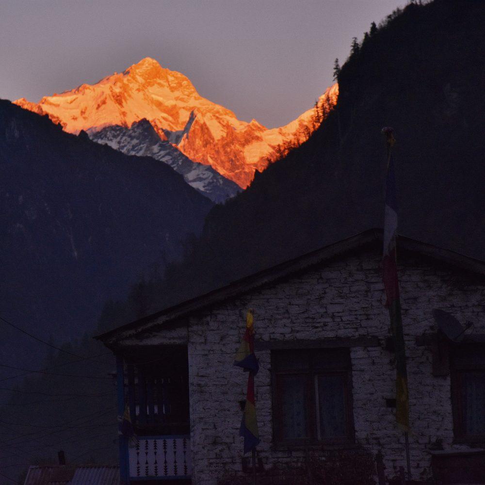 Manaslu im Sonnenuntergang