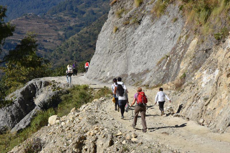 ...und gemeinsam mit Schulkindern den Berg hinauf