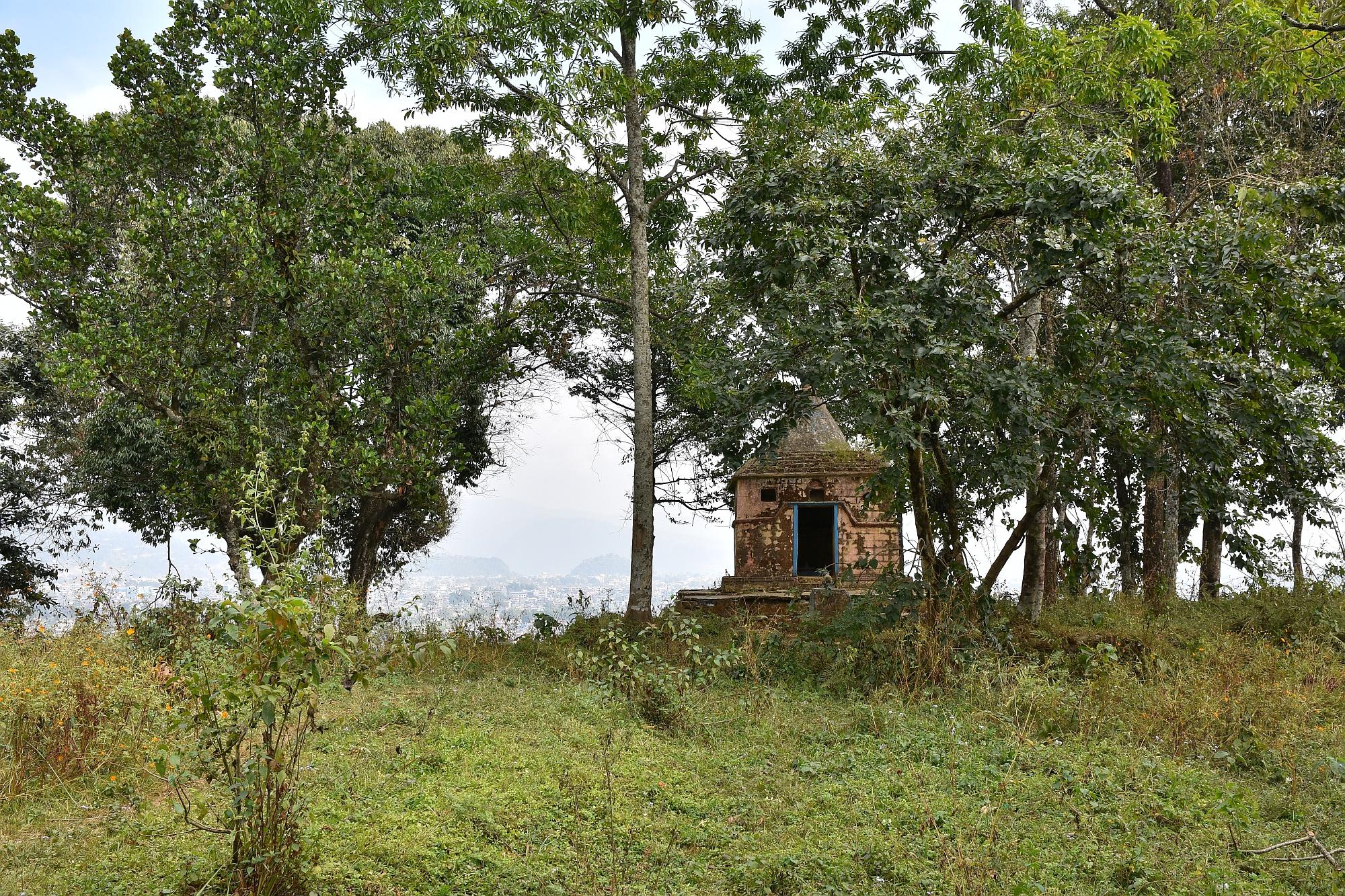 Auf Pokharas Hausberg