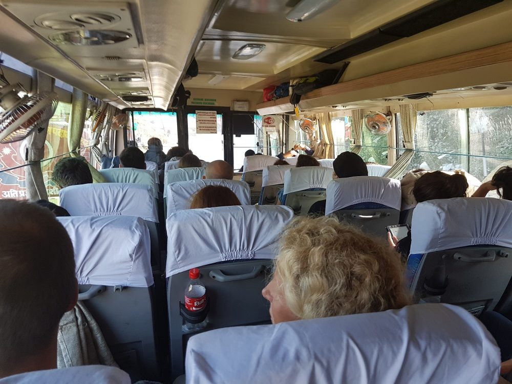Im Touristenbus nach Kathmandu