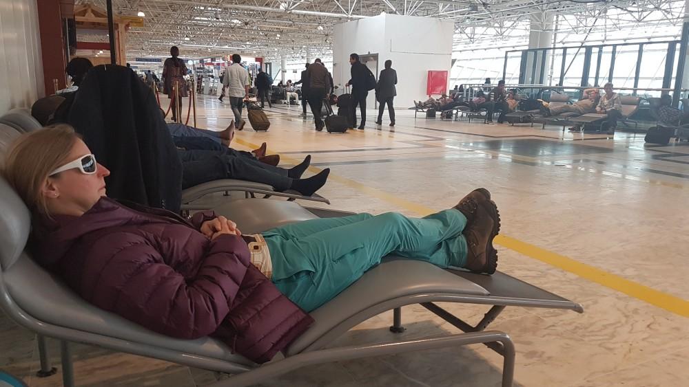 Ausruhen und Warten in Addis