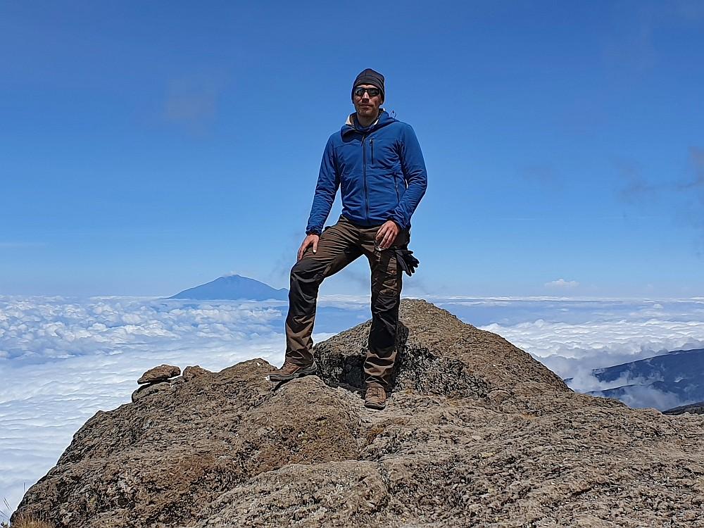 Mount Meru im Rücken