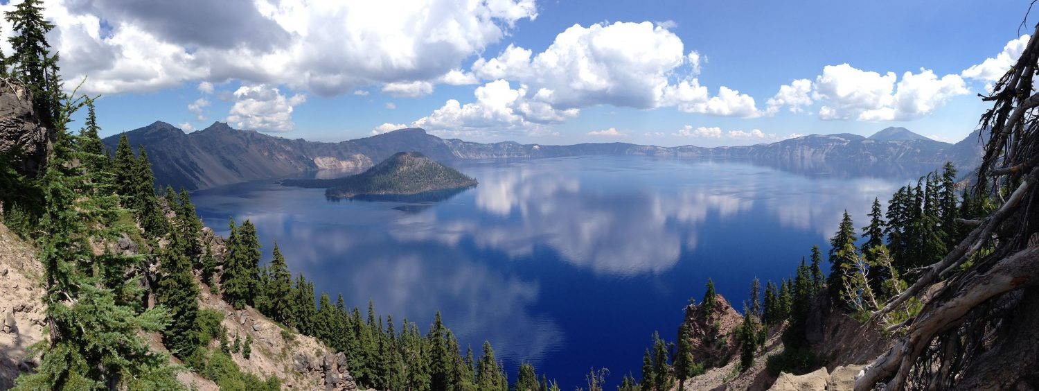Crater Lake (Wikipedia)